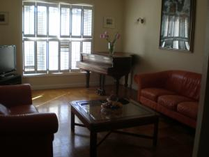 Ocean view beaut furnished 2bd 7 min from Olympic club